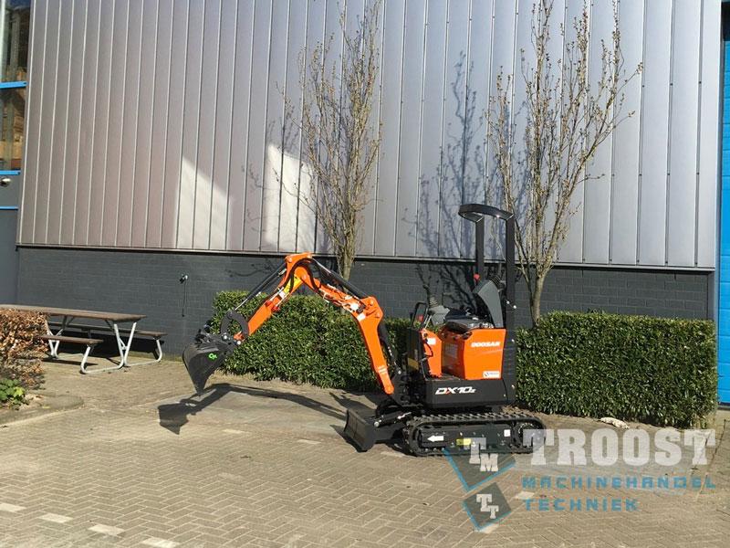 Tanis Nieuwe Doosan DX10z