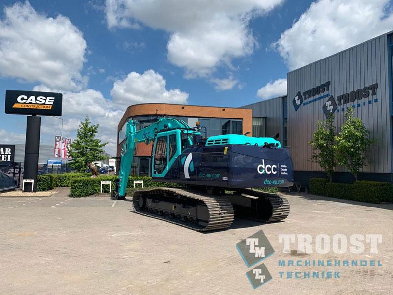 Nieuwe CASE CX300D DCC